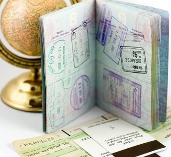 Загранпаспорт со штампом ОАЭ