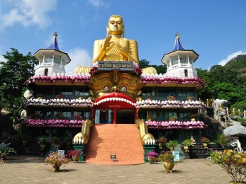 Храм Будды в Коломбо