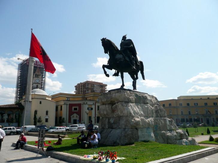 Площадь Скандерберга в Албании