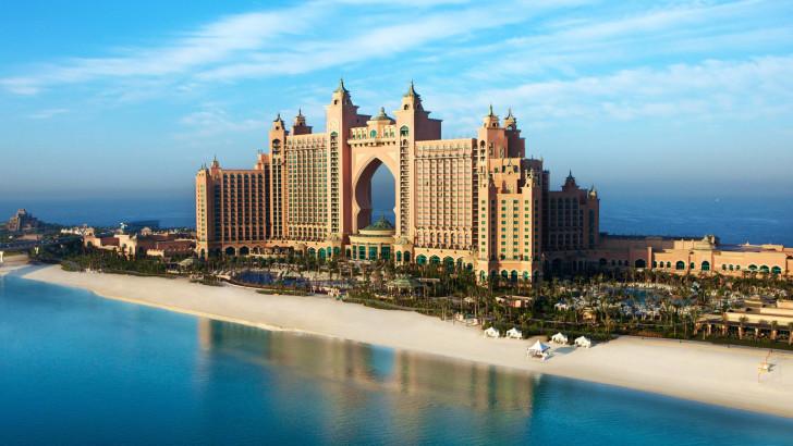 Красивое здание в ОАЭ